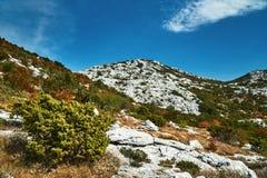 Rocas y picos en el macizo de Mosor Fotografía de archivo