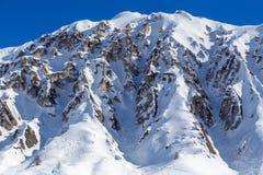 Rocas y rastros de esquí Imagen de archivo