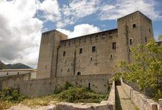 Rocca Albornoziana i Spoleto, Italien royaltyfri foto