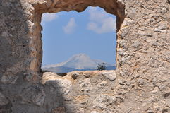 Rocca Calascio Calascio-Schloss Ansicht durch das Fenster stockbild
