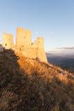 Rocca Calascio, senhora Hawk Fortress, em Abruzzo, L'Aquila, Itália Fotografia de Stock Royalty Free