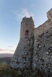 Rocca Calascio, senhora Hawk Fortress, em Abruzzo, L'Aquila, Itália Foto de Stock Royalty Free