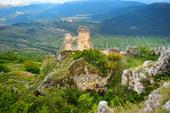 Rocca Calascio slott på sommarsolnedgången, Abruzzo Royaltyfri Foto