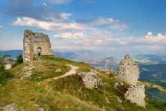 Rocca Calascio slott på sommarsolnedgången, Abruzzo Arkivfoto