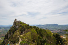 Rocca Cesta ou deuxième tour au Saint-Marin Le Republic Of San Marino photographie stock