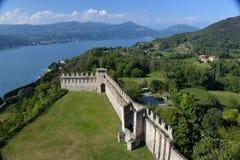 Rocca Di Angera, Jeziorny Maggiore, Włochy Outside widok Fotografia Stock
