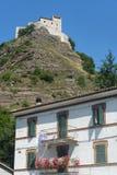 Rocca di Varano (marzos, Italia) Foto de archivo