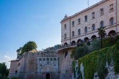 Rocca Paolina und Etruscan Porta Marzia stockfotografie