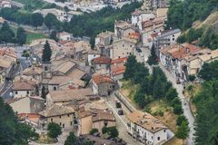 Rocca Pia L ` Aquila, Abruzzi, Włochy: panoramiczny widok obrazy stock