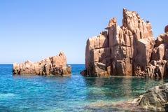 Rocca Rossa στο νησί της Σαρδηνίας, Ιταλία Στοκ φωτογραφία με δικαίωμα ελεύθερης χρήσης