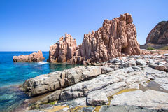 Rocca Rossa στο νησί της Σαρδηνίας, Ιταλία Στοκ εικόνα με δικαίωμα ελεύθερης χρήσης