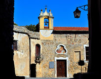 rocca savona Италии di castelvecchio barbena стоковые изображения