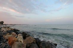 Rocce alla spiaggia lato di Mar Nero, Romania Fotografia Stock Libera da Diritti