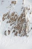 Rocce coperte di neve all'aperto fotografie stock libere da diritti