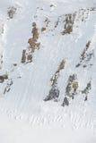 Rocce coperte di neve all'aperto immagine stock libera da diritti