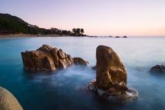 Rocce del granito all'alba Immagine Stock