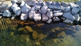 Rocce del lago Immagini Stock