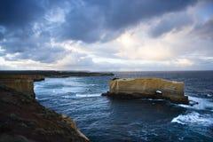 Rocce del wirh di vista sul mare. Immagine Stock Libera da Diritti