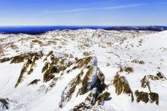 Rocce della cima di Perisher Mt della parte posteriore di MP Immagini Stock