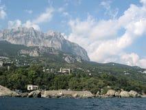 Rocce della Crimea e palazzo 01 di Vorontsov Immagini Stock