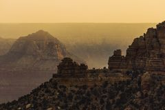 Rocce di Grand Canyon al tramonto Immagine Stock