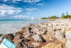 Rocce di Key West ed oceano, Florida fotografia stock libera da diritti