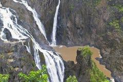 Rocce e cascata Immagine Stock