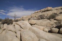 Rocce e cielo blu Fotografia Stock