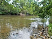 Rocce e Riffles lungo Dan River Fotografie Stock Libere da Diritti