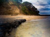 Rocce e scogliera dell'oceano Fotografia Stock