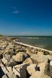 Rocce e vista sul mare Fotografie Stock
