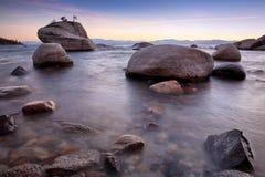 Rocce in lago Fotografia Stock Libera da Diritti