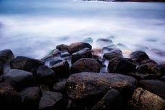 Rocce in mare Fotografie Stock
