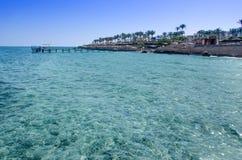 Rocce, mare e cielo blu - EL-Seikh di Sharm fotografia stock libera da diritti