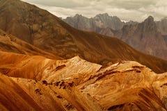 Rocce Moonland, montagne himalayane, paesaggio del ladakh a Leh, Jammu Kashmir, India Fotografia Stock Libera da Diritti