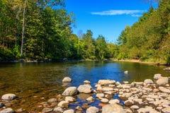 Rocce nel fiume di Farmington Fotografia Stock