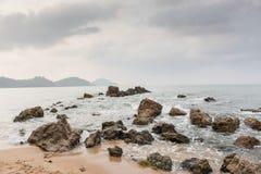 Rocce nel mare Immagini Stock