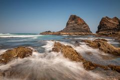 Rocce a Praia de Odeceixe fotografia stock