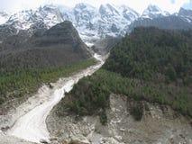 Rocce rotte da attività glaciale in terreno Fotografie Stock Libere da Diritti