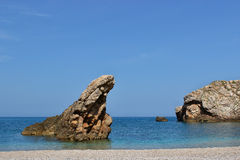 Rocce su una spiaggia Immagini Stock Libere da Diritti