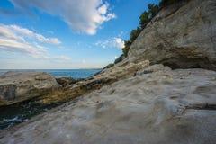 Rocce sul mare, Conero NP, Marche, Italia Fotografie Stock