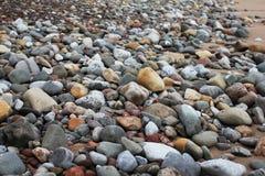 Rocce sulla spiaggia fotografie stock libere da diritti