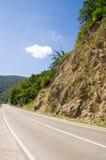 Rocce sulla strada principale nelle alpi di Dinaric, Serbia Fotografie Stock Libere da Diritti