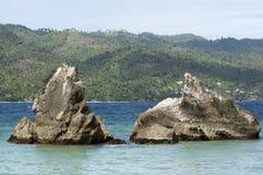 Rocce vicino alla spiaggia su Cayo Levantado, Repubblica dominicana Immagini Stock Libere da Diritti