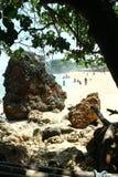 Roccia alla spiaggia Fotografie Stock Libere da Diritti