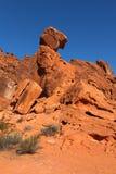 Roccia d'equilibratura in valle del parco di stato del fuoco Fotografie Stock
