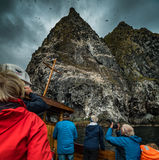 Roccia dell'uccello in Norvegia fotografie stock libere da diritti