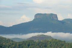Roccia della bibbia nella zona centrale dello Sri Lanka Fotografie Stock