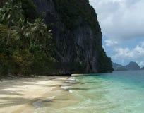 Roccia delle rive dell'isola di Palawan Immagini Stock