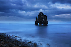 Roccia di Hvitserkur in Islanda di nord-ovest Immagini Stock Libere da Diritti